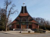 Troštičku podivný kostel. Ale jinak vítejtě v Chuchelné!