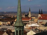 Olomouc z vyhlídky na střechách svatého Mořice.